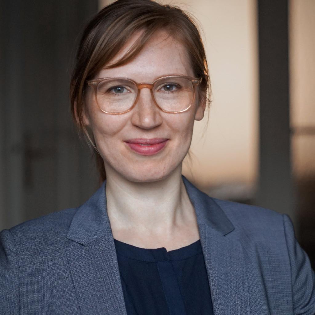 Anna Bernhardt anna magdalena bernhardt - trainerin, coach, moderatorin
