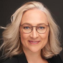 Julia Roglmeier LL.M.'s profile picture