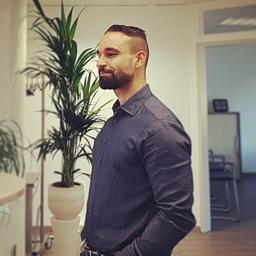 Asim Karul's profile picture
