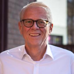Dietmar sch ler gesch ftsf hrer implementus gmbh und for Schneider miltenberg