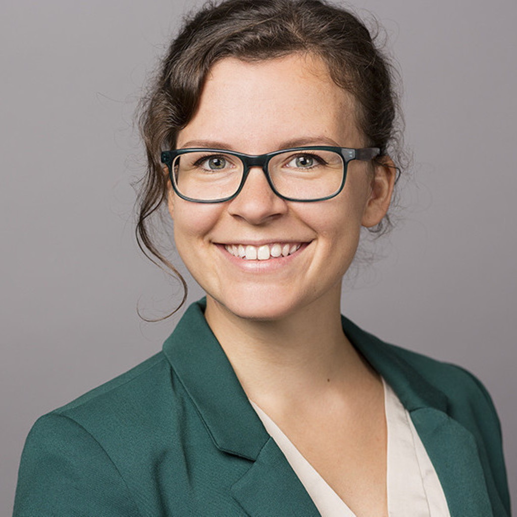 Dr. Julia Lüttig - Product Manager/ Product Development ...