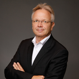 Stefan steinmann senior manager advisory emeia for Dekorateur hamburg