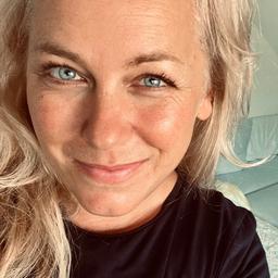 Manuela Kaufmann - mangler+noller – The Bridge to Brands - Heidelberg