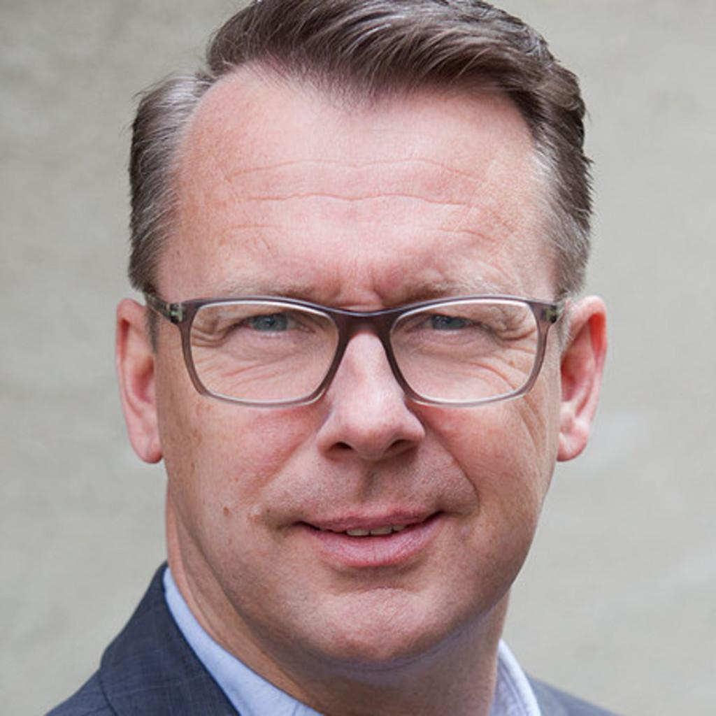 Holger b hling bereichsleiter einkauf steuerung schwab for Alexander jehle