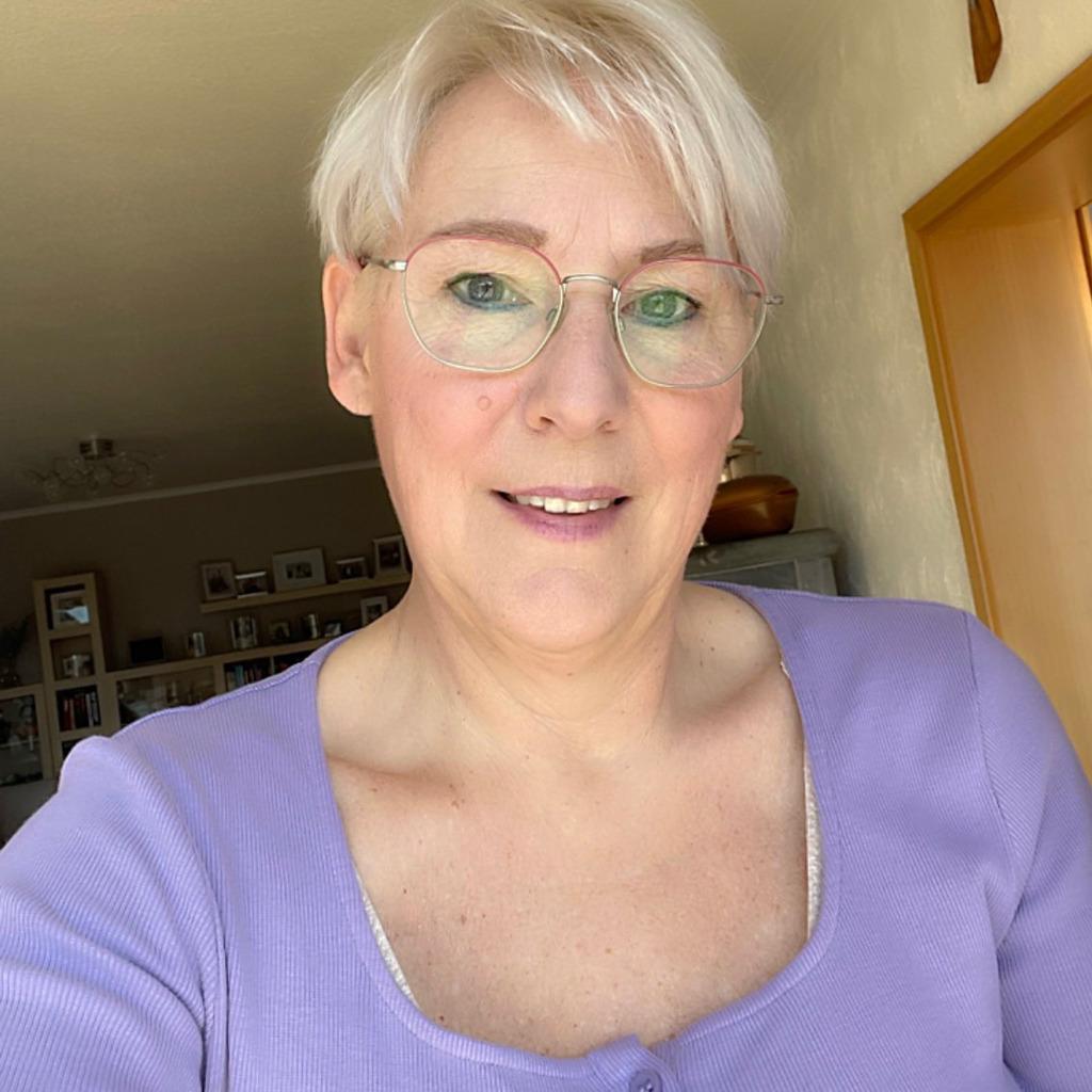 <b>Jacqueline Palm</b> - kfm. Angestellte - Centrum Asset Management GmbH | XING - jacqueline-palm-foto.1024x1024