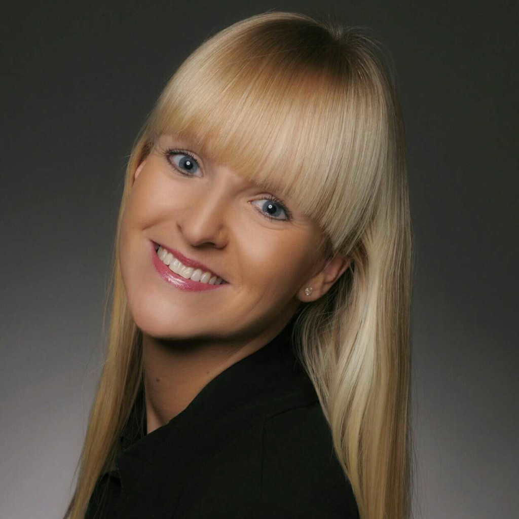 Josefine teufel serviceassistentin porsche zentrum for Porsche zentrum boblingen