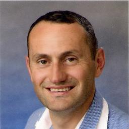 Tony Prenka Stellvertretender Versand Leiter Shipping