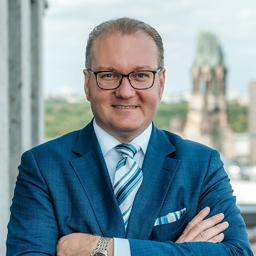 Dr. Benno A. Packi - adesse anwälte Eckhardt & Packi Partnerschaft mbB - Berlin