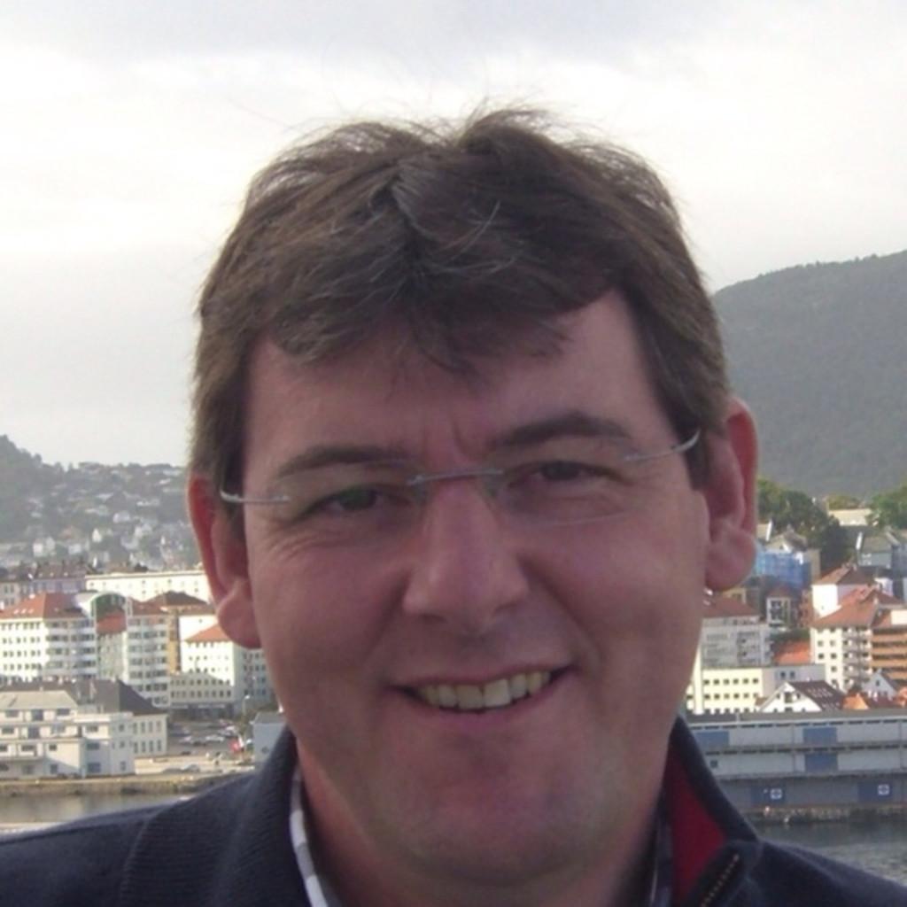 <b>Klaus Lauer</b> - Ing. Büro für Technische Gebäudeausrüstung - Energy Evaluation ... - klaus-lauer-foto.1024x1024