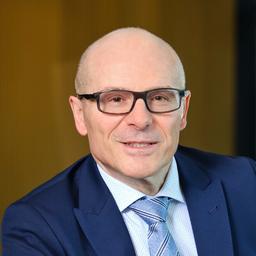 Roberto Cresta - Vision. Strategy. Value Selling - Zug