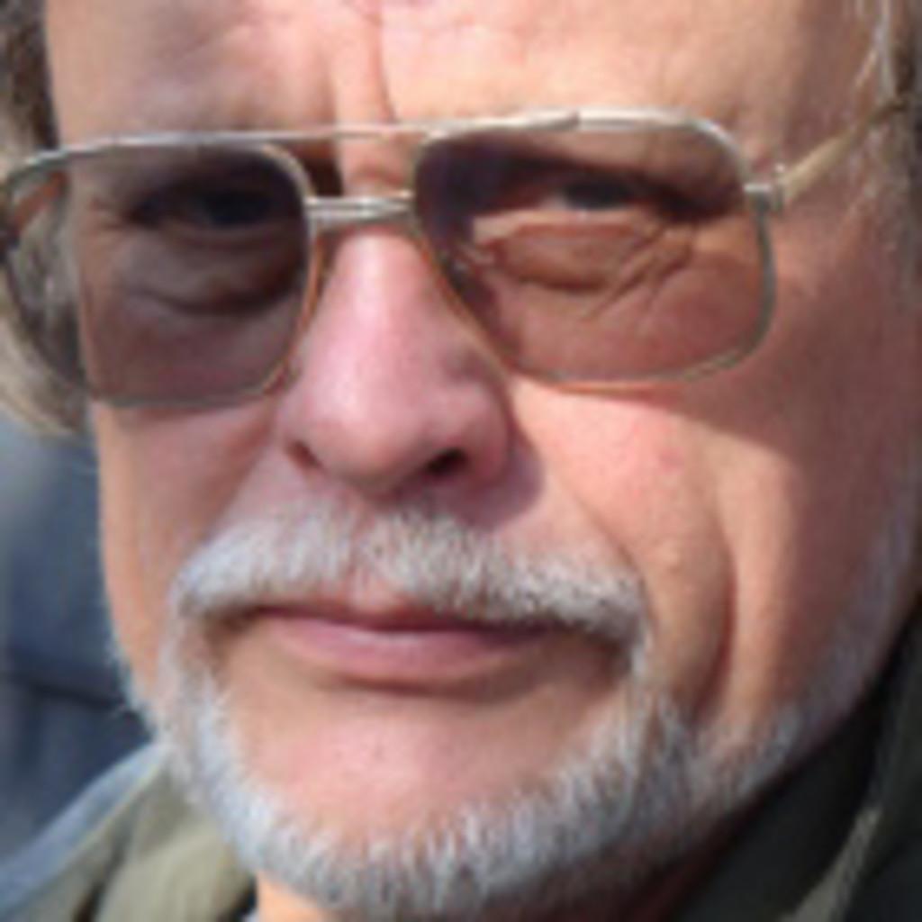 Volker spiegel vorstand vmv verband marktorientierter for Spiegel xing lai