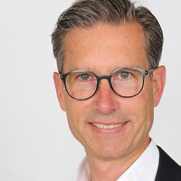 Joachim Kahl - avecus corporate development GmbH - Stuttgart