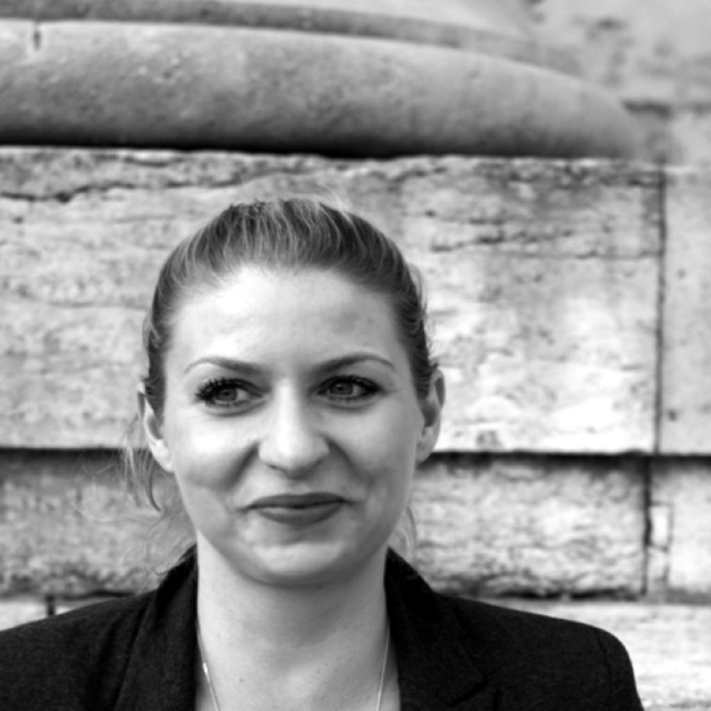 <b>Tanja Abel</b> - Marken- und Kommunikationsberaterin - ABEL Brand Communications ... - tanja-abel-foto.1024x1024