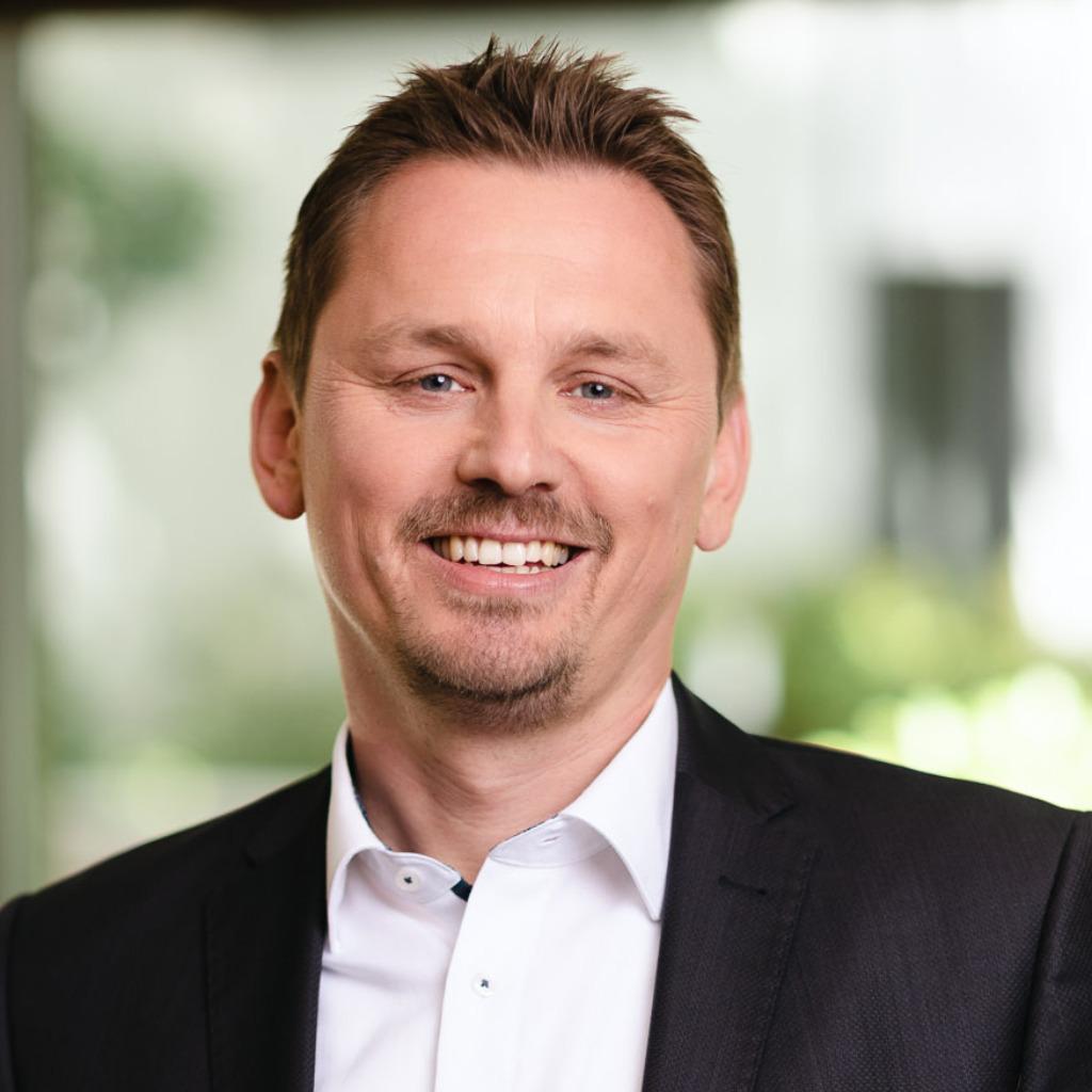 Christian koch senior manager grc iot ot ntt for Christian koch architekt