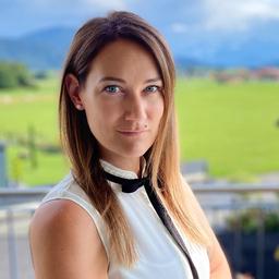 Janine Kratochvil - Excellence AG - German Engineering - Salzburg