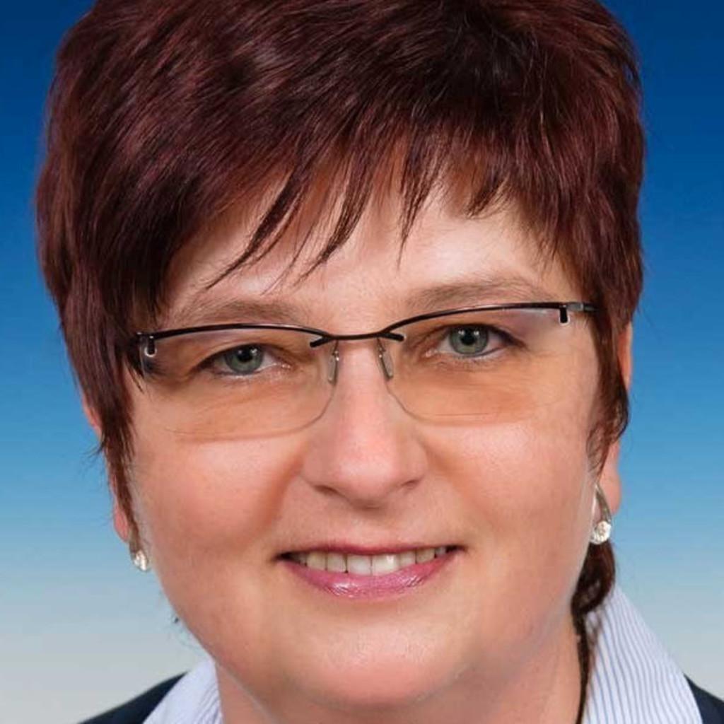 Katharina Fischer - Leitung Vertrieb Innendienst - KAPP