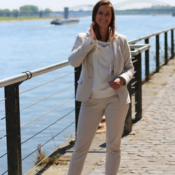 Melanie Schuhmacher - HOLY FASHION GROUP - Kreuzlingen