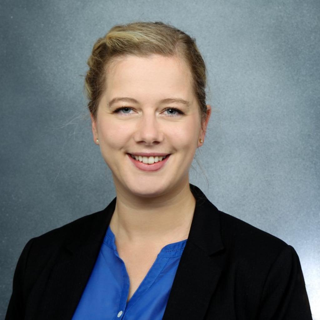 <b>Nele Hartmann</b> - SAP Projektleiter und Anforderungsmanager - W&amp;W IT GmbH | ... - nele-hartmann-foto.1024x1024