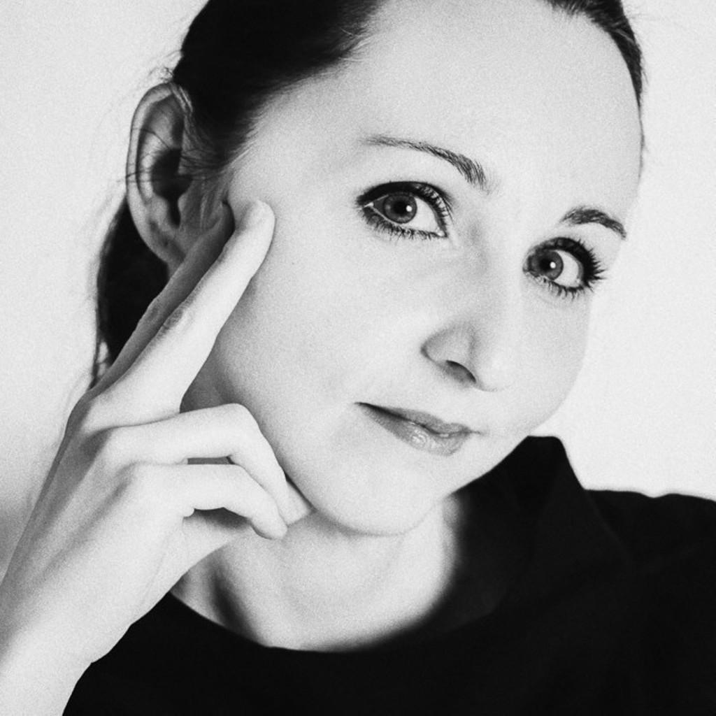 Claudia Lehnert