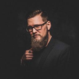 Chris Cedric Puschke - Ambient Media Sales- and Service GmbH - Hamburg