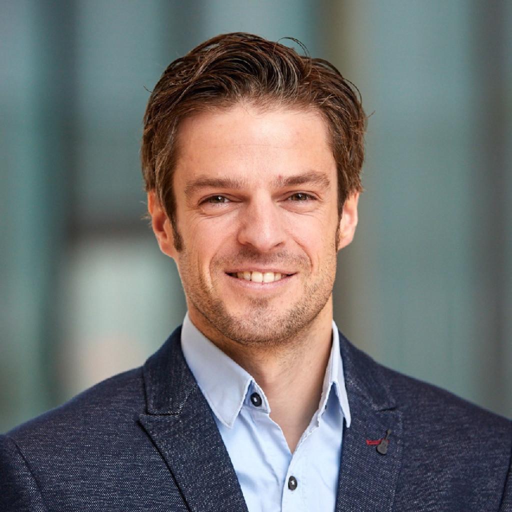 Jan fischer manager marketing campaigns miles more for Grafiker in frankfurt