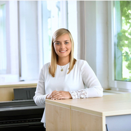 Elena Conrad's profile picture