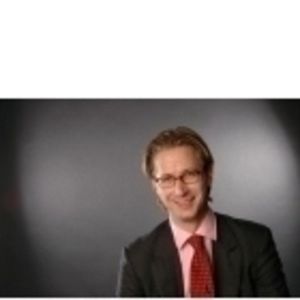 Friedrich Bieselt Managing Director, Vorstand Lincoln