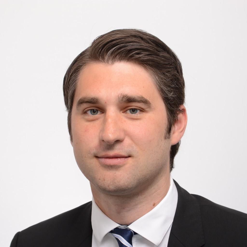 Claus von reden juristischer mitarbeiter neue bank ag for Juristischer mitarbeiter