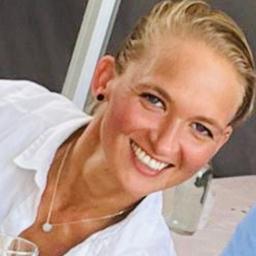 katharina hoyer sportwissenschaftler fitnesstrainerin holmes place cologne fitness first. Black Bedroom Furniture Sets. Home Design Ideas
