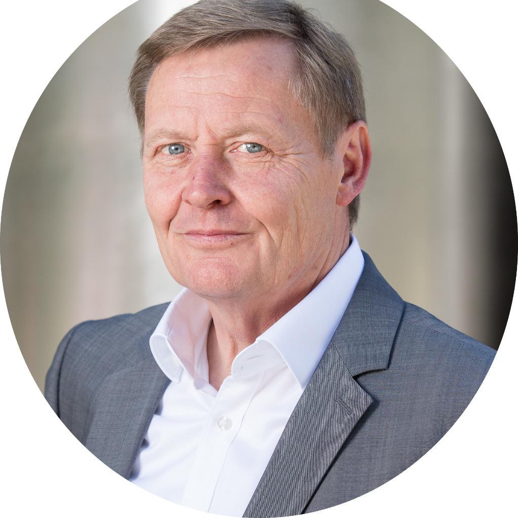 <b>Philipp Richard</b> - Berater (Projektleiter) - Deutsche Energie-Agentur GmbH ... - falk-sparenberg-foto.1024x1024
