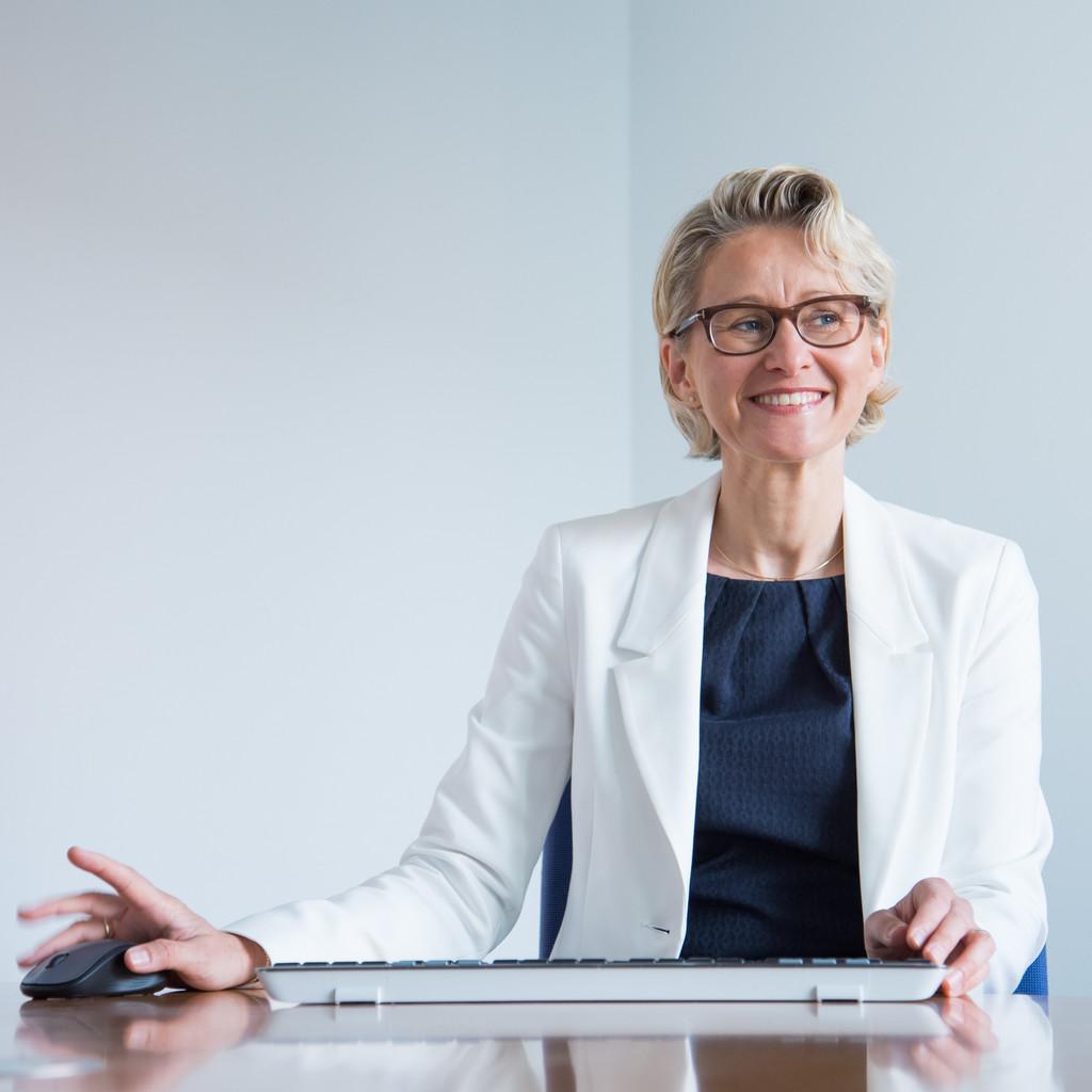 Christiane Thürlings - Vorstand - Raiffeisenbank Wesermarsch-Süd eG ...