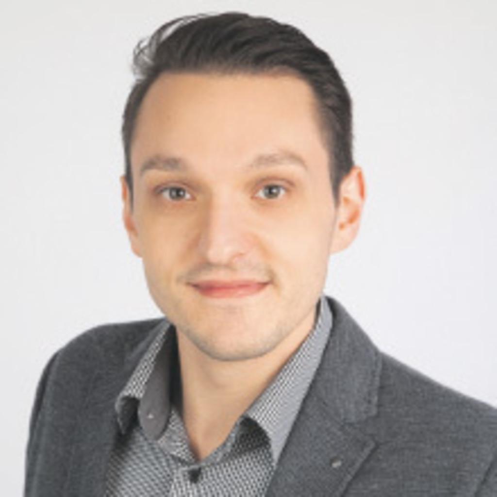 Raymond Rothardt Marketing Manager Möbelhaus Xing