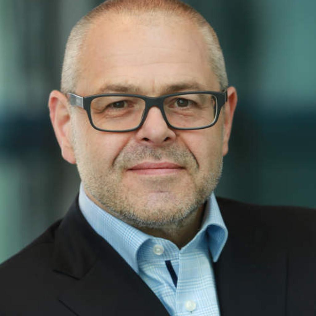 Udo weller gesch ftsf hrender gesellschafter untitled for Weller frankfurt