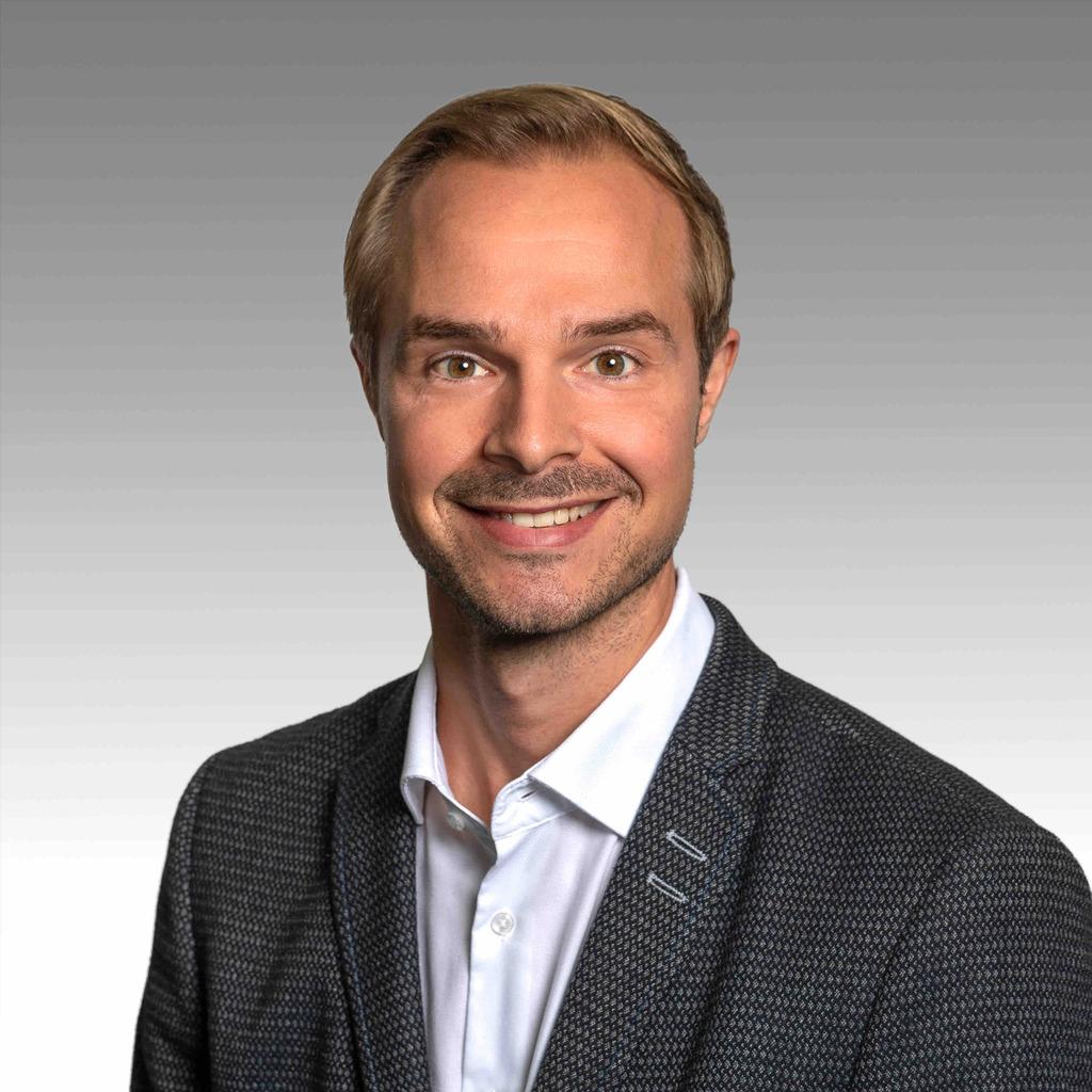 Jan steinegger junior consultant projektleiter for Junior consultant