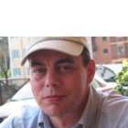Dr. Stefan Queins