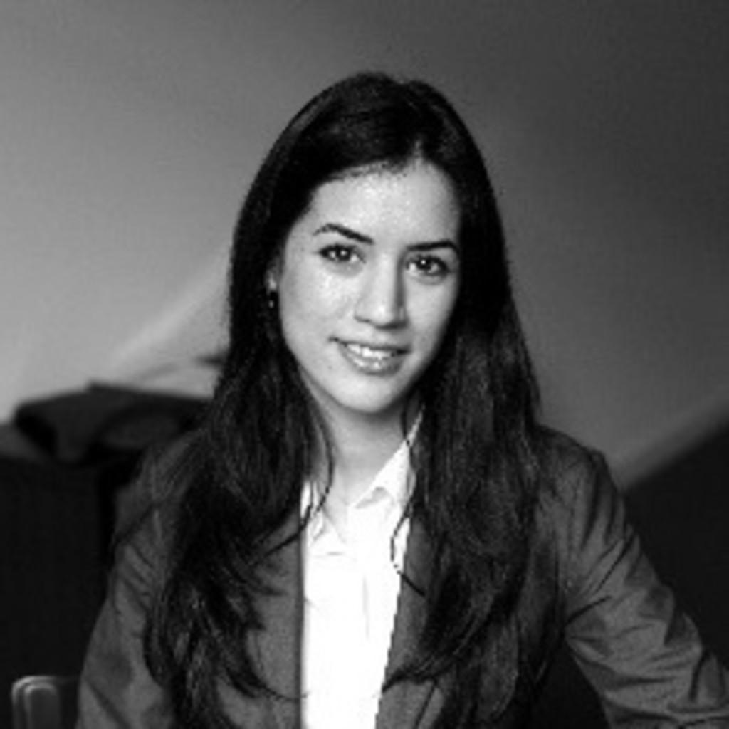 Yasmine arasteh juristische mitarbeiterin for Juristischer mitarbeiter