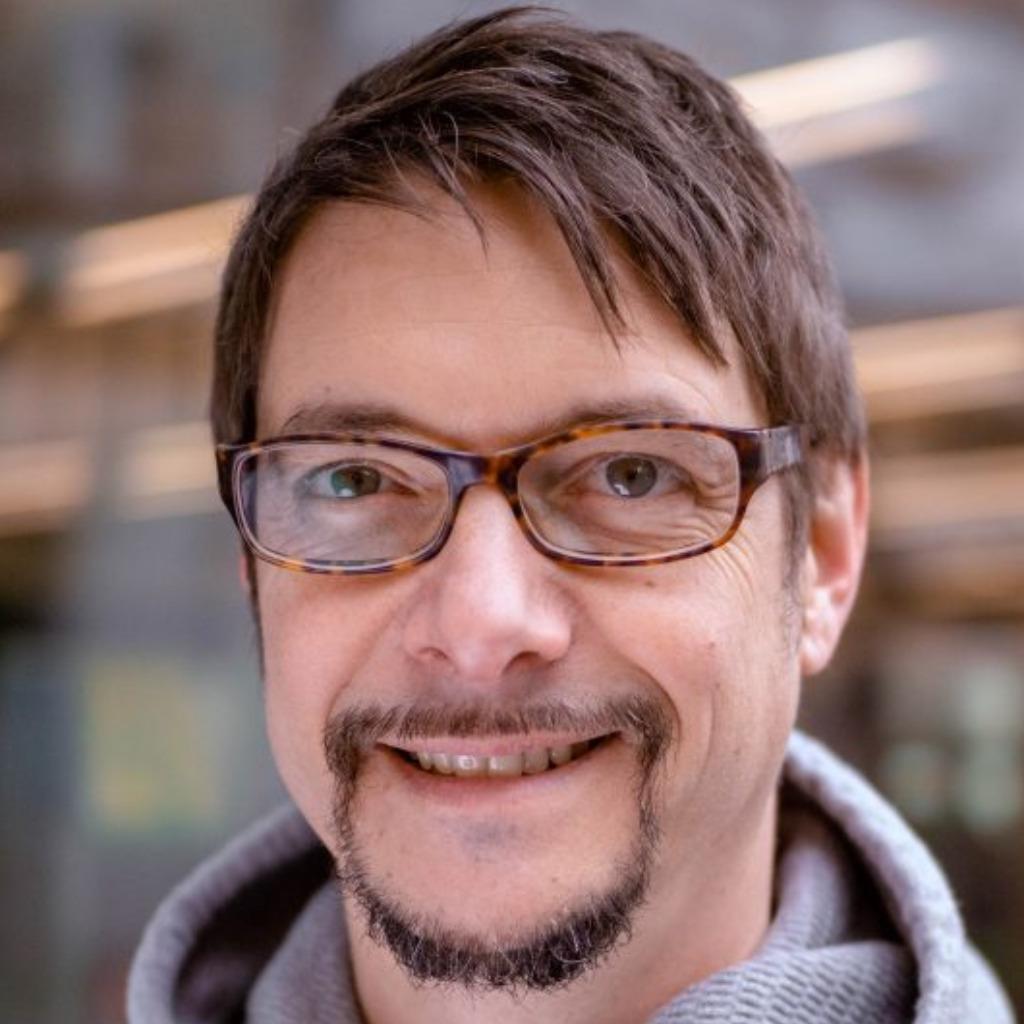 Hans-Peter Bayerl - Redakteur und Kommunikationsberater - Redaktionsbüro Bayerl, yoga business partner | XING - hans-peter-bayerl-foto.1024x1024