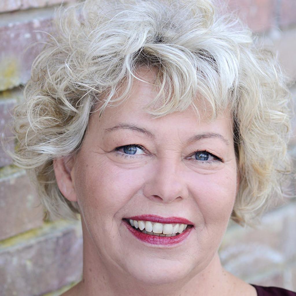 Claudia Neumann Business Analystin Verka Vk Kirchliche Vorsorge Vvag Xing