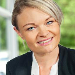 Julia Adler's profile picture
