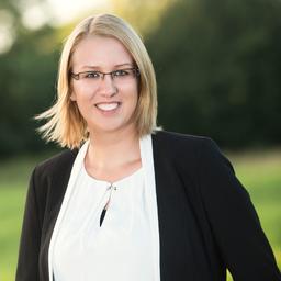 Julia Knöfelt - EOS Technology Solutions - Hamburg