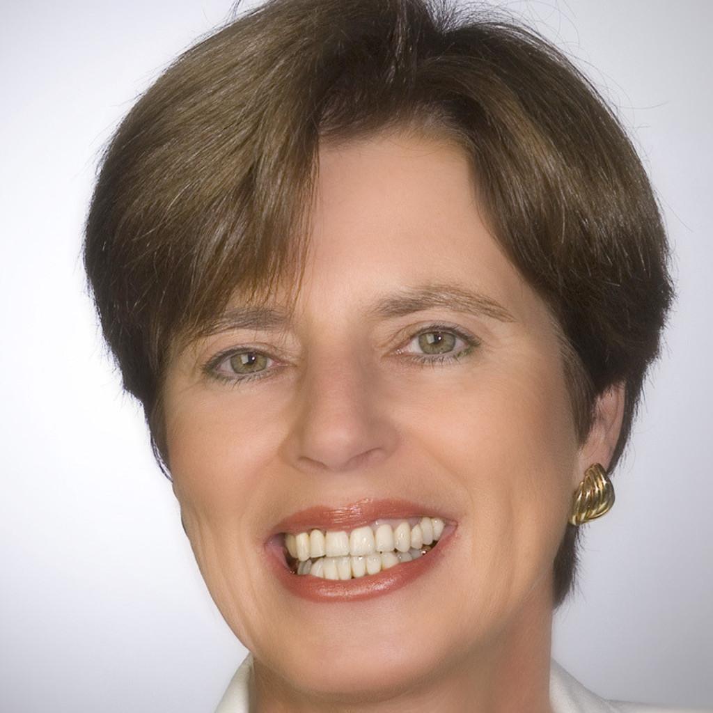 Dr. Cornelia Riechers - Inhaberin - Quality Outplacement Dr ...