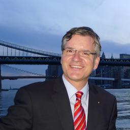 Thomas Dierichs - Diehl Stiftung & Co. KG - Nürnberg
