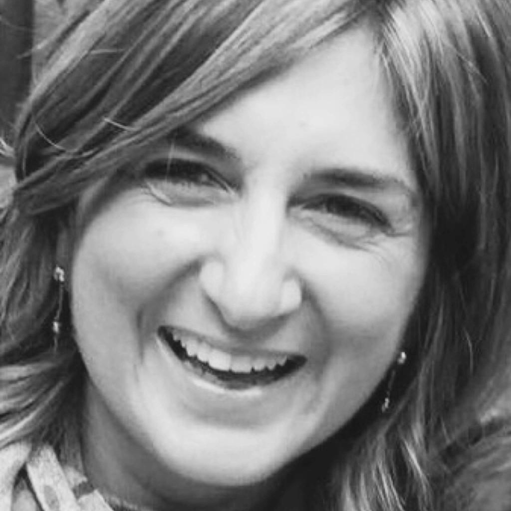 Nicole calegari vogt head of marketing competency for Innendekorateur englisch