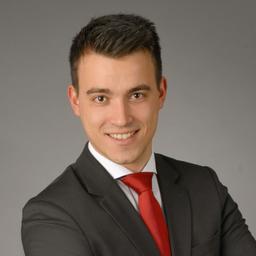 Lukas h rndl berater private banking deutsche bank ag for Deutsche bank nurnberg