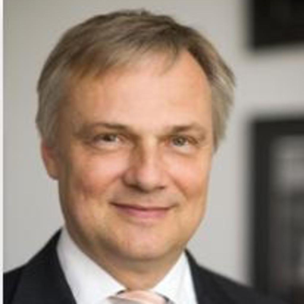 Dr. <b>Thomas Winkelmann</b> - Vice President Human Relations Manufacturing Tires ... - thomas-winkelmann-foto.1024x1024