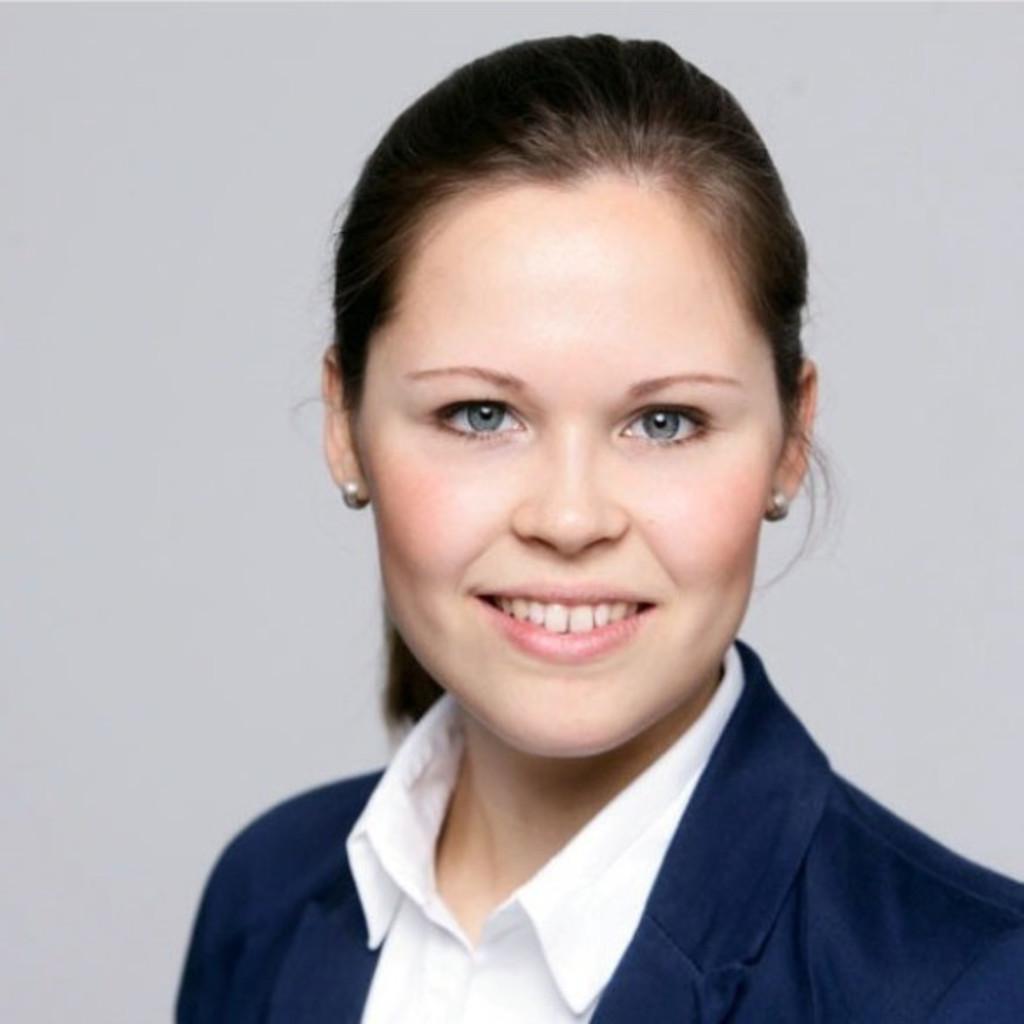 Christina Reimer Project Management Ford Kuga Era
