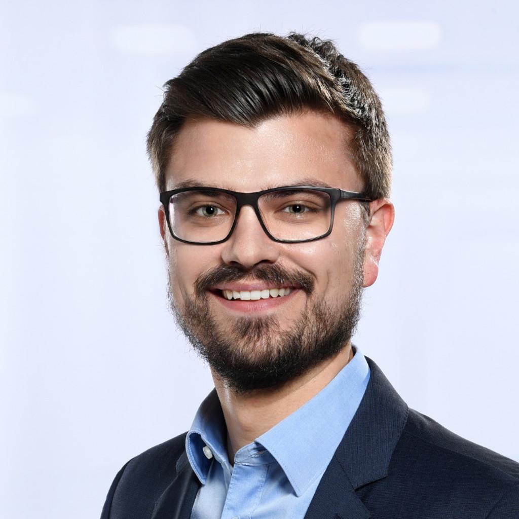 Benjamin Hagen - Marketing Manager Smartphone Accessories ...