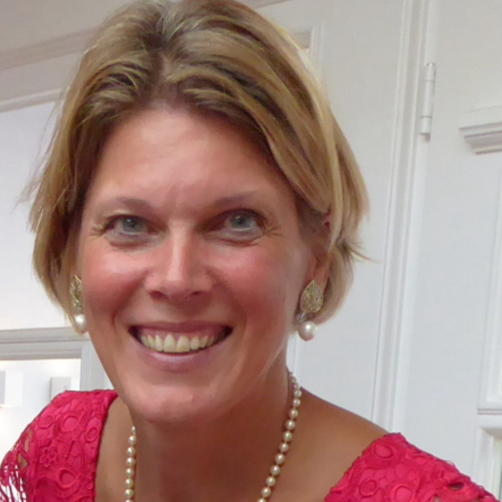 Claudia Fischer Zum Felde Hr Manager Board Henkel Ag Co Kgaa Xing