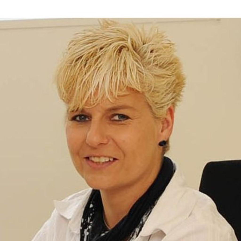 Ursula Kopp Assistentin Der Geschäftsleitung Casimir