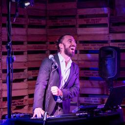 """Timo Maneri - Timo Maneri  """"Singing DJ"""" - Neuhofen"""